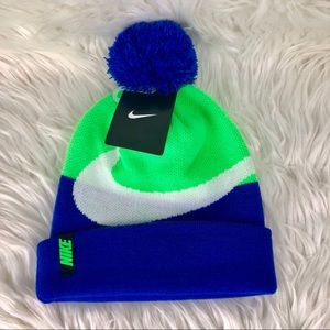 NWT Nike PomPom Winter Snow Unisex Beanie Hat